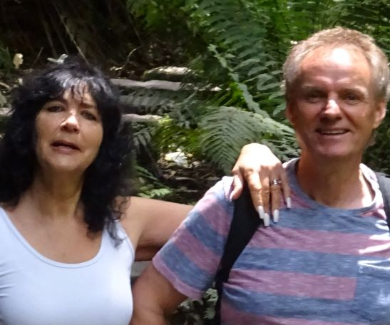 hiking blue mountains guide guided walk sydney wolfgang hedi